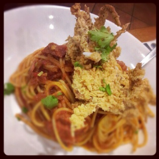 Spaghetti with tomato and fried soft shell crab. So perfect.