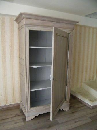 Bonnetière et coffre, meubles anciens modernisés à Langrune sur mer.