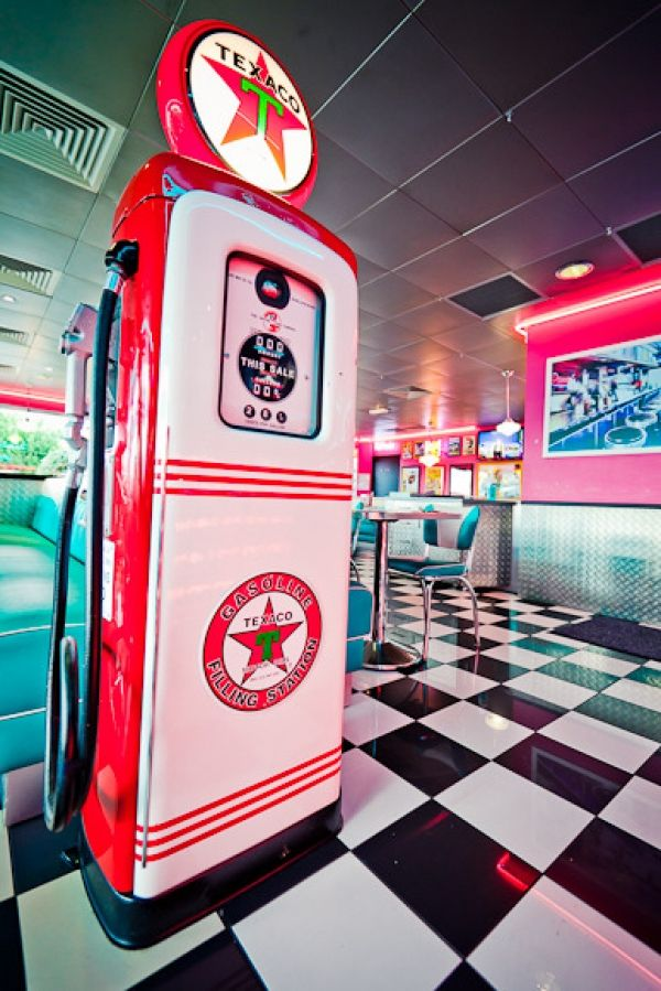 ambiance happy days au restaurant vintage tommys diner cafe - Deco Annee 50 Americaine