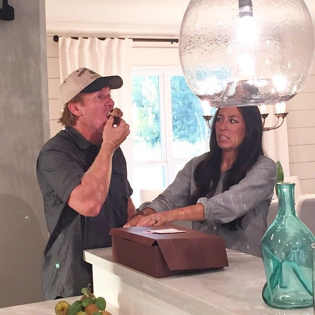 Pin for Later: 20 Times Fixer Upper's Chip and Joanna Gaines Made Us LOL When Joanna Put the Kabosh on Chip Eating All the Cupcakes