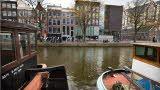 Het Anne Frank Huis aan de Prinsengracht. The Anne Frank House at the Prinsengracht.