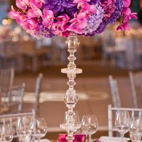 Uma combinação de cores super linda, que passeia do mais suave romantismo ao amor mais profundo. Casamento roxo e rosa, super inspirador!