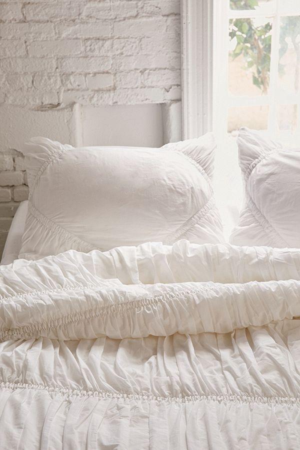 Slide View: 3: Rita Ruffle Comforter