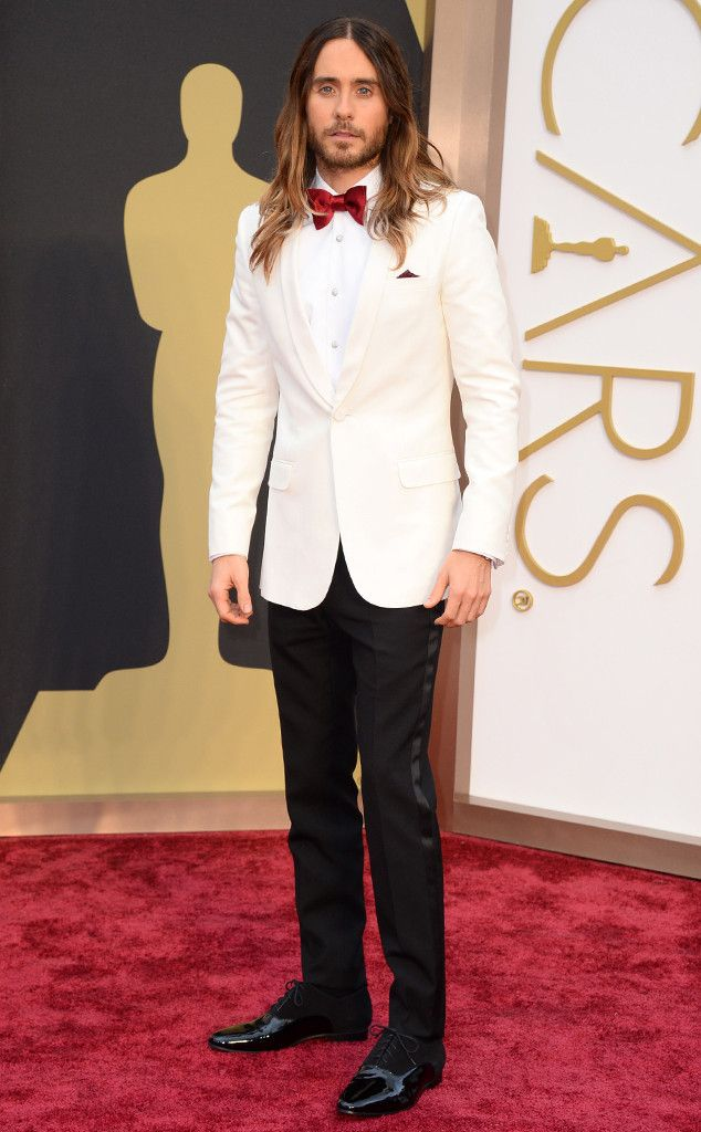 Jared Leto looks super hot at the Oscars in Saint Laurent!