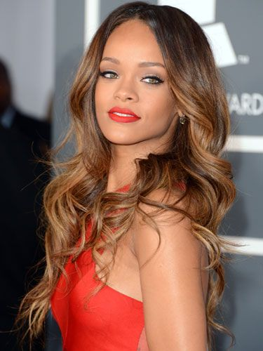 Rhianna at the 2013 Grammy awards - the perfect blow wave? Don't mind the colour through the middle too