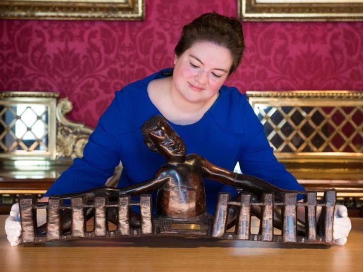 """Букингемский дворец в Лондоне представит выставку """"Королевские подарки"""""""