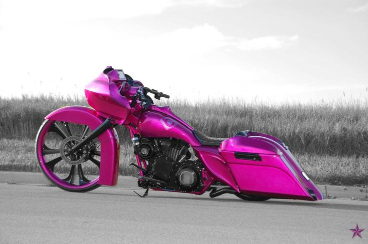 Pink Harley Davidson Motorcycle | Eerie, yet gentle and powerful beast – this is the pink motorcycle