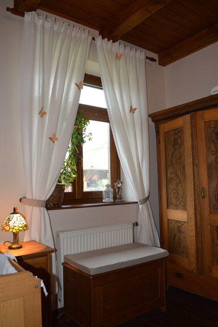 Baba szoba Faragott szekrény Ülőláda