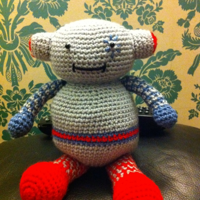 Free Amigurumi Robot Pattern : 17 Best images about Amigurumi - Robots on Pinterest ...