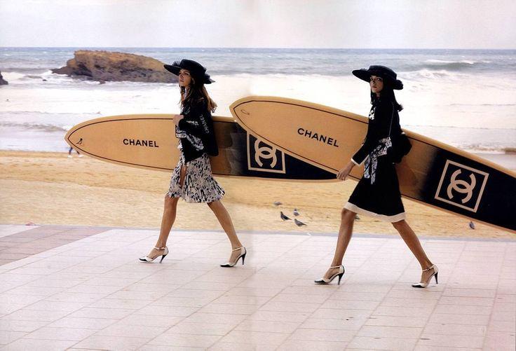 CHANEL : SURFBOARD