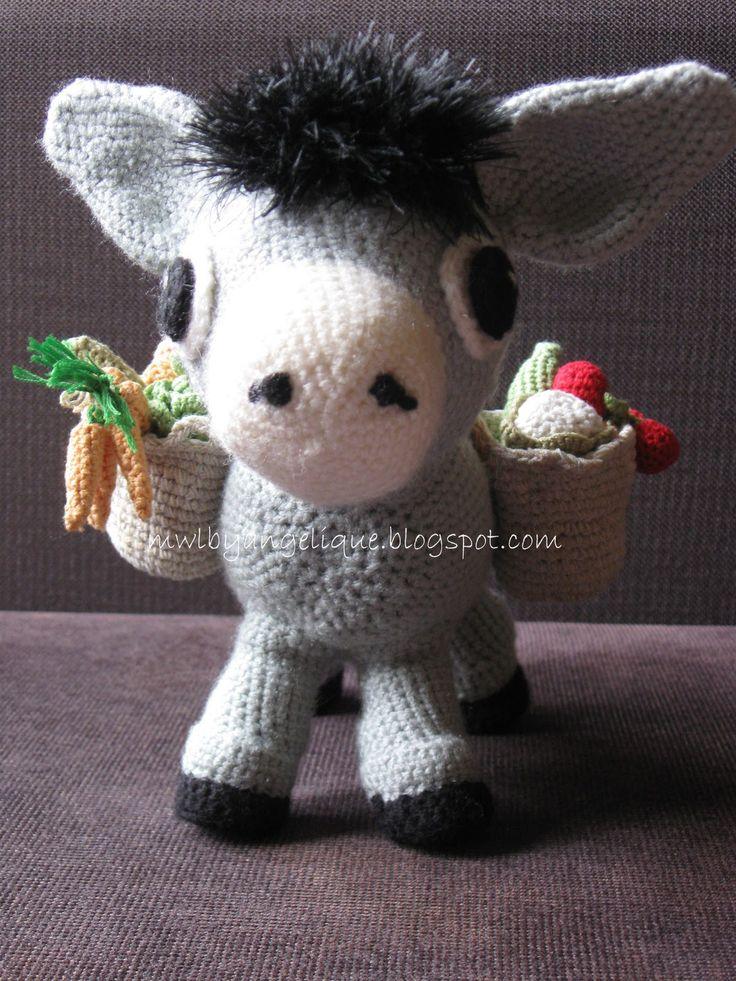 Het ezeltje is eindelijk naar tevredenheid klaar. Mooi op tijd (hij krijgt hem op vaderdag omdat hij zo gek van ezeltjes is en hij dol is op...