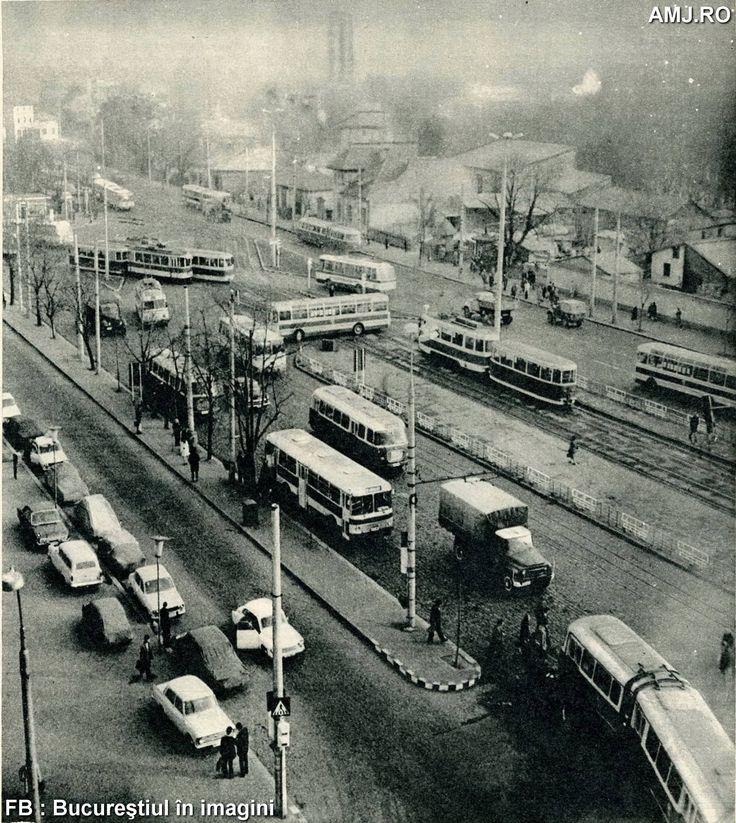 Ambuteiaj în Piaţa Pieptănari acum 40 de ani. Şi o imagine foarte diferită faţă de ce vedem astăzi.