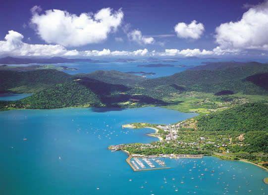 Latitude Travel Services www.facebook.com/latituderesorts Airlie Beach