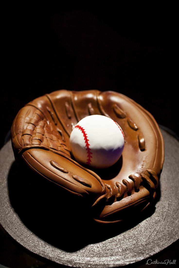 Baseball Glove Grooms Cake