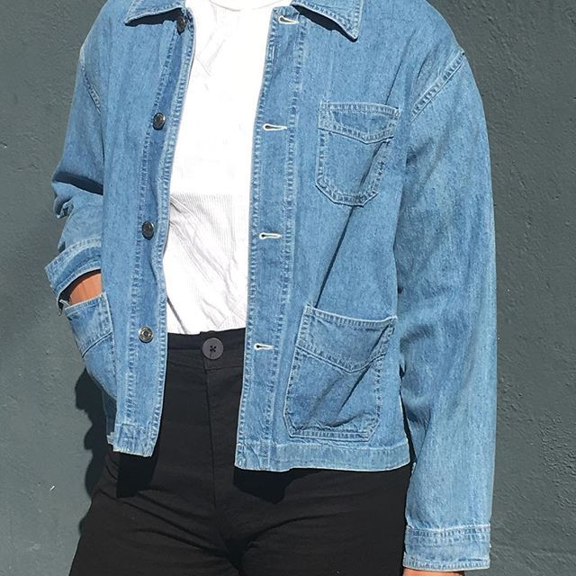 PLEASE DM email + zip/postal code, there is a glitch in Instsagram comments, Vintage light weight denim jacket, favorite find, beautiful drape on s/m $58 + shipping SOLD