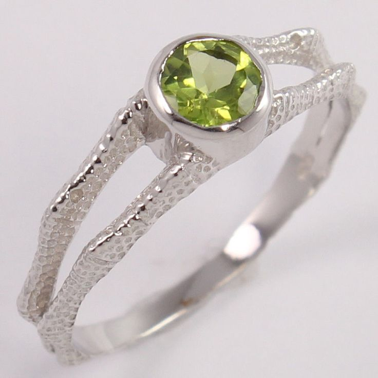 New Design 925 Sterling Silver Beautiful Ring Size US 8 Natural PERIDOT Gemstone #Unbranded