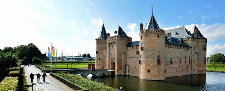 Muiderslot Castle http://voyostravel.com/muiderslot-castle-amsterdam-netherlands/