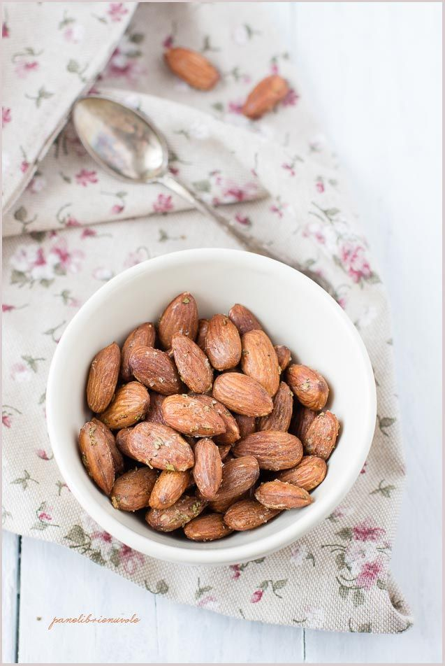 Mandorle salate al rosmarino - Rosemary salted almonds