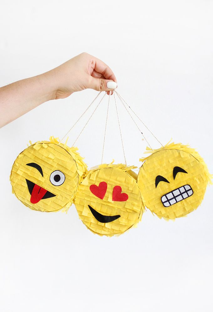 MY DIY |Mini Emoji Piñata