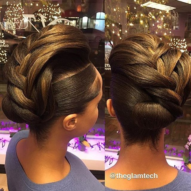 Such a creative take on a bun by #detroitstylist @theglamtech  Glamorous ✨ #voiceofhair========================== Go to VoiceOfHair.com ========================= Find hairstyles and hair tips! =========================
