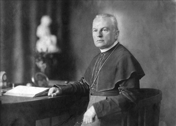 Magyar Narancs - Belpol - Ki volt Prohászka Ottokár, és mi keresnivalója a Lehel téren?
