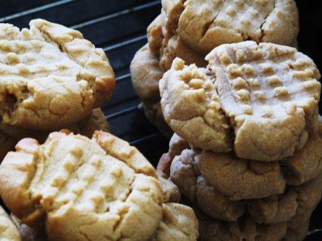 """Mmmmm, Soft Peanutbutter Cookies -- no shortening in the pantr?, these use butter!   . . . putting in the fridge before rolling into balls isn't necessary and don't forget to """"dip"""" fork in sugar before pressing criss crosses!"""