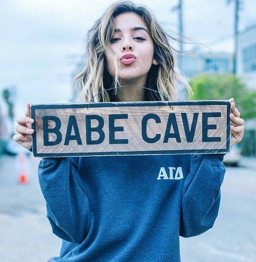 brandy babe cave.jpg Sign needed.
