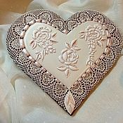 """Souvenirs and handmade gifts. Fair Masters - handmade gingerbread ginger """"Roses in the lace."""" Handmade.     http://mak11.livemaster.ru"""