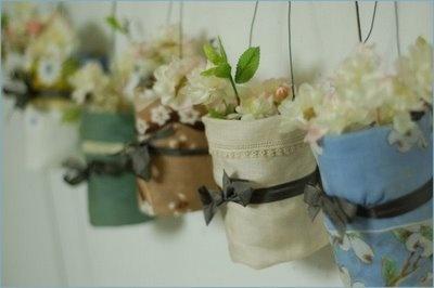 Pretty Hanging #Handkerchief #Vases: Vintage Wedding, Wedding Decor, Hanging Flowers, Hanging Vase, Vintage Handkerchiefs, Mason Jars, Flowers Vase, Diy Wedding, Hanging Pots