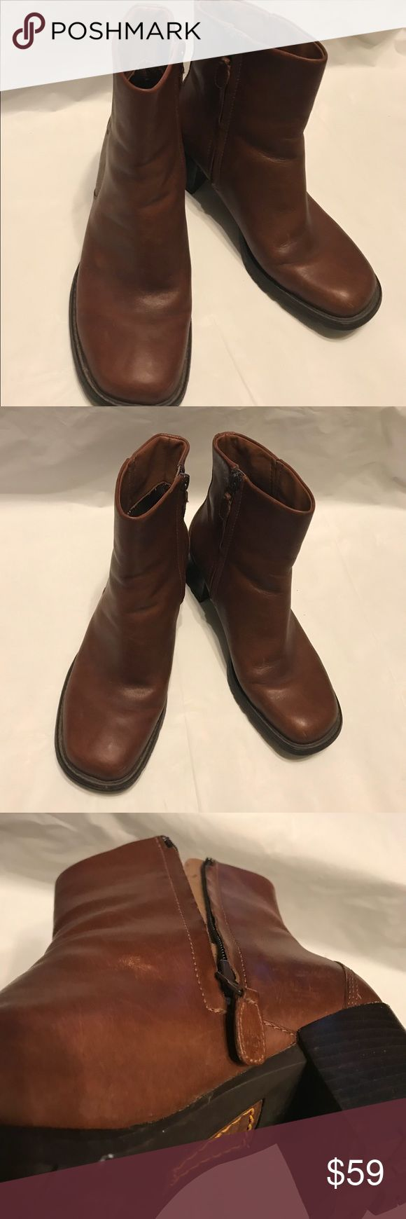 Ladies Timberlands ankle leather brown boots 7.5 Ladies Timberlands ankle leather brown boots size 7.5 Great used condition with minimal wear   Please check out my closet for lots of other great pieces many different styles and sizes  Bundle multiple pieces for private discount  Shipped out within 24hrs after receiving payment  Monday through Friday not including Holidays  Thank you 🛍 Timberland Shoes Ankle Boots & Booties