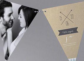 Auf der Suche nach einer anderen Form für die Eindlandung? Wie wäre es mit einer Fotowimpelkette? #Fotos #Hochzeitskarte Fanion Blue M41-004 #Fotoeinladungskarte, #Einladungskarte, #Kreativehochzeit