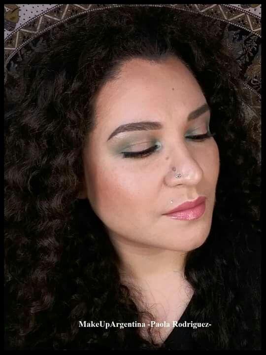 Pigmento Envy de Andrea Pellegrino, Mr Boddy de A2 pigments y labial Lovelorn de MAC #MakeUpArgentina #MOTD