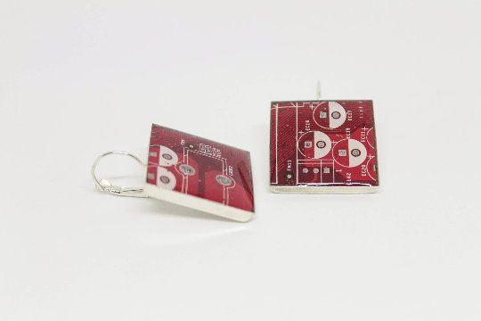 Orecchini computer scheda madre reale riciclata, orecchini rossi, regalo per lei, regalo laurea, ingegnere, programmatore, regalo nerd di Circuitsland su Etsy