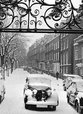 London in the snow.: B W, Beautiful, Art, Winter In London, Christmas, Black Whit, Vintage England, Britain, Blighti