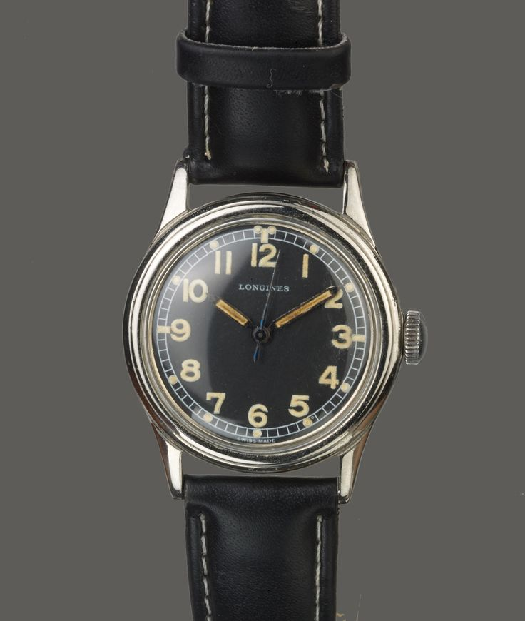 WWII   VINTAGE 1938 MILITARY LONGINES  For Sale, PILOT  12L 17 JEWEL SWEEP SECONDS MANUAL WIND MOVEMENT  32.6 X 42 MMW CONDITION WATCH IS FINE  Watch number 23090 / 345