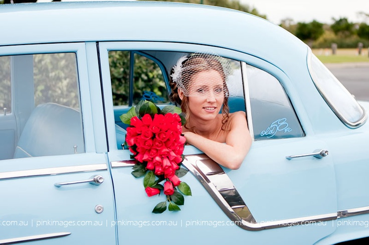 bride with bouquet, image by pink images