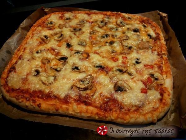 Πίτσα+με+διπλό+πεπερόνι+αφράτη+#sintagespareas