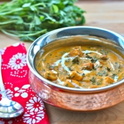 Methi Paneer - A delicious Indian curry with fenugreek leaves (methi) and cottage cheese (paneer) in a subtly spiced, rich onion-cashew-tomato gravy.