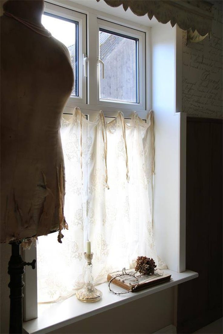 25 Best Ideas About Cafe Curtains On Pinterest Cafe Curtains Kitchen Kitchen Window Curtains