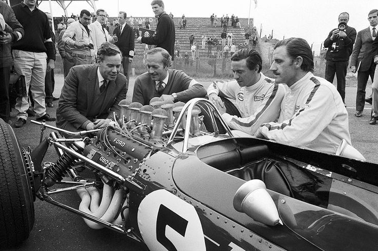 Dutch Grand Prix 1967. The brand new Lotus49 for the first time on the track. Driven by Jim Clark and Graham Hill.