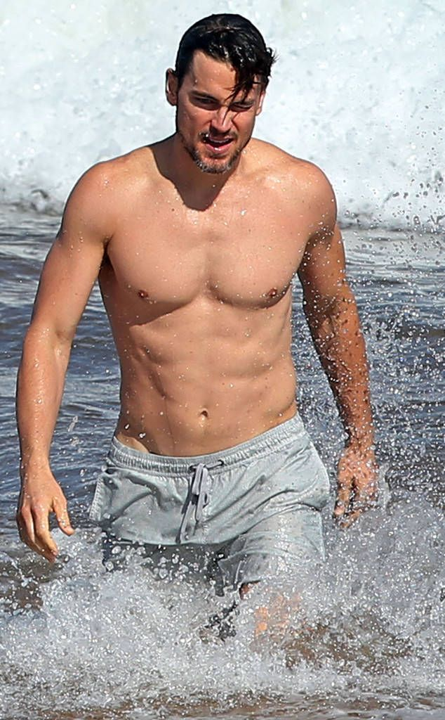 <p>The actor makes his way through the crashing waves with his toned and tanned body while vacationing in Hawaii.</p>