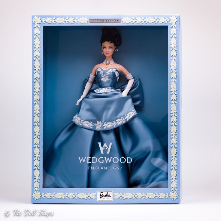 Barbie Wedgwood #1 Pale Blue Dress Ltd. Ed. Jasper Ware Cameo Necklace 1999 NRFB #Mattel