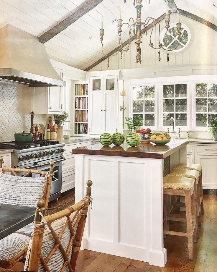 25 Best Ideas About Dark Kitchen Floors On Pinterest: Kitchen Backsplash White Cabinets, Kitchen With