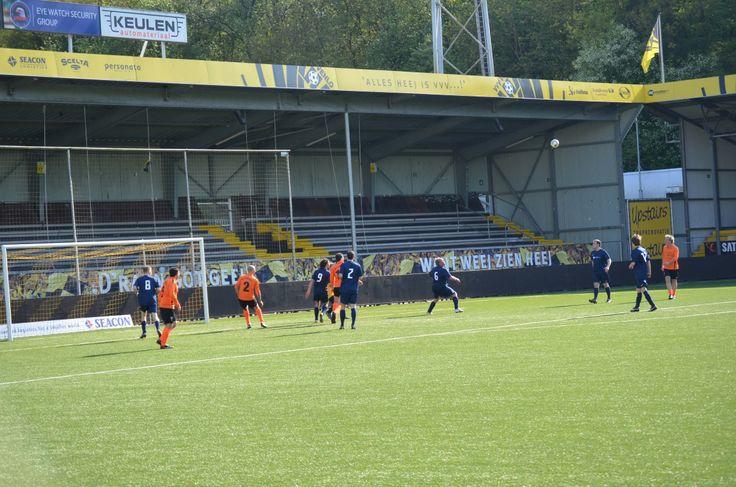 Voetbalwedstrijd in Seacon Stadion de Koel