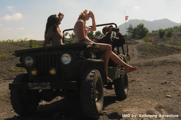 Paket Wisata Jogja 3 Hari 2 Malam: Cave Tubing Kalisuci, Pantai Indrayanti, Sunrise Punthuk Setumbu, Sepedaan Tilik Desa, Candi Borobudur, Merapi Volcano Tour, Keraton Jogja.  Read More: http://liburanjogja.co.id/paket-wisata-yogya/3d2n-cavetubing-kalisuci-pantai-indrayanti-sunrise-punthuk-setumbu-sepedaan-tilik-desa-candi-borobudur-merapi-volcano-tour-keraton-jogja/