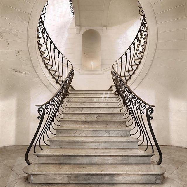 Something about this staircase would have me running up and down.. Palazzo…