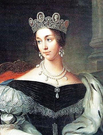 Empress Josephine bequeathed the tiara to her granddaughter Josefina who, on June 19, 1823, became the Crown Princess of Sweden when she married Crown Prince Oscar (the future King Oscar I).