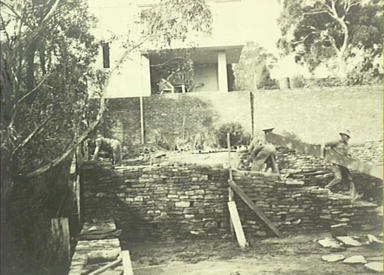 Everglades Leura 1933 - 1943, building the dry stone retaining walls, a Sorensen trademark