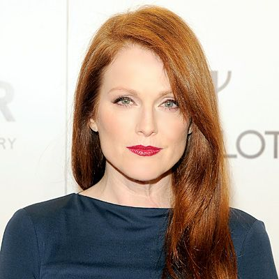 Julianne Moore like cooler based pink lipstick as it contrasts with her warm colouring.