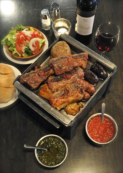 Grillades Gaucho: Un steakhouse argentin! / Gaucho Grill: An Argentinian Steakhouse!